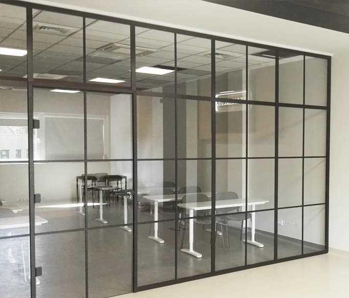 Ściana szklana ze szprosami wykonana przez firmę ESGlas.pl